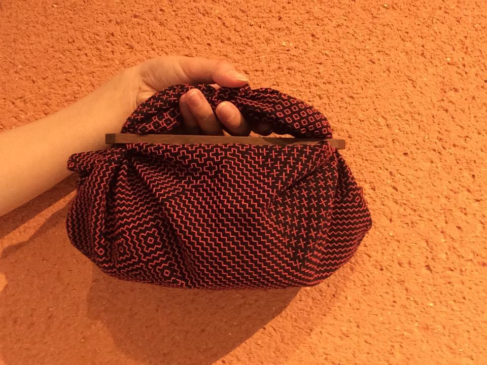 黒×赤糸walnut