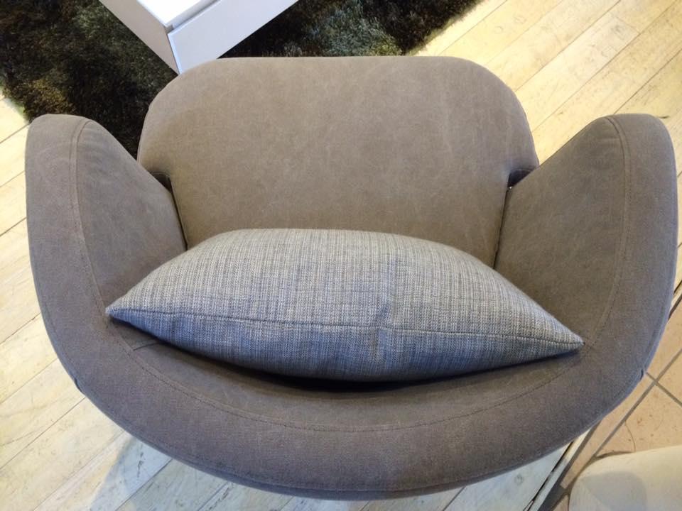 chair0