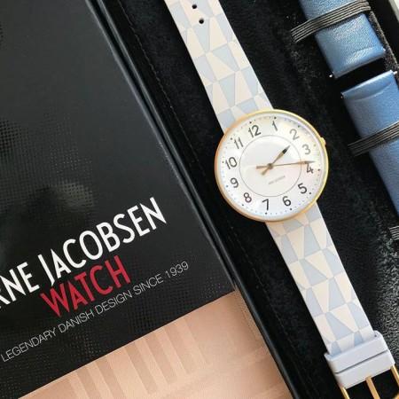 ヤコブセン腕時計トップ