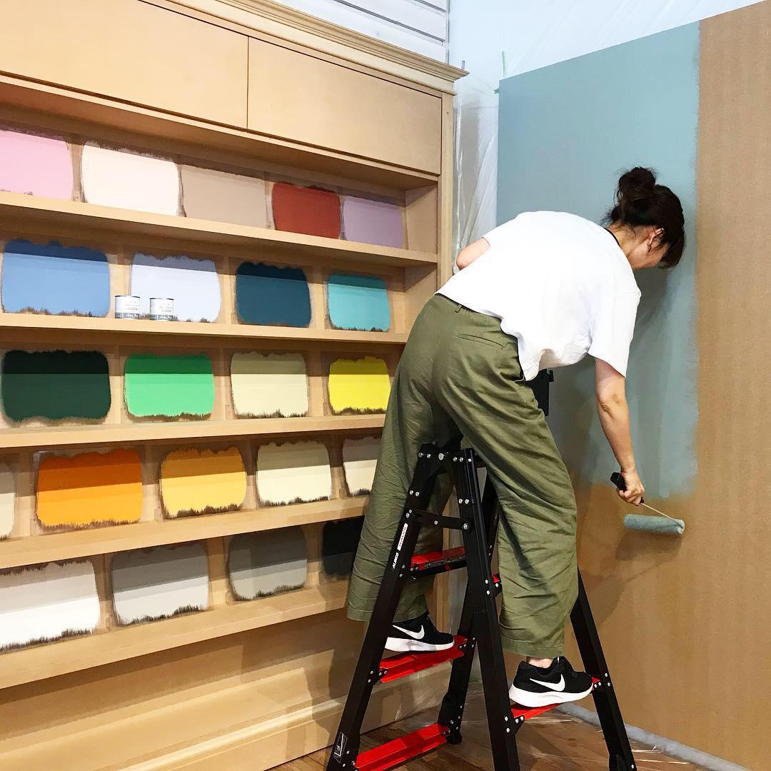 壁を好きな色にdiy 簡単で安心なペンキ アニースローンウォール